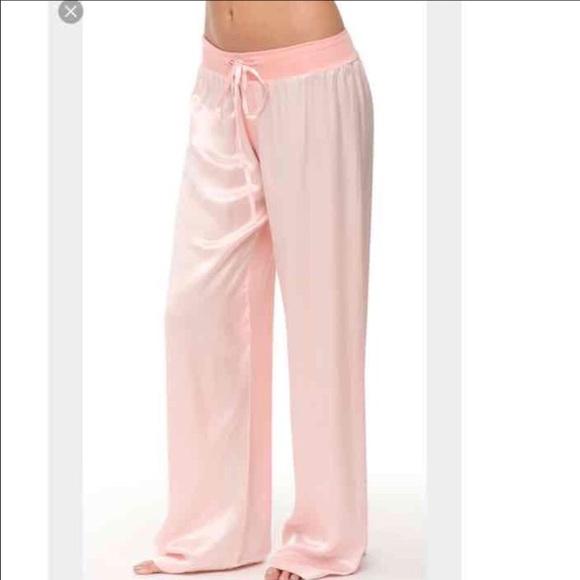 8b779da8ba Pj Harlow pink satin pajama pants large. M 5aeab9c66bf5a6c4df1e549c